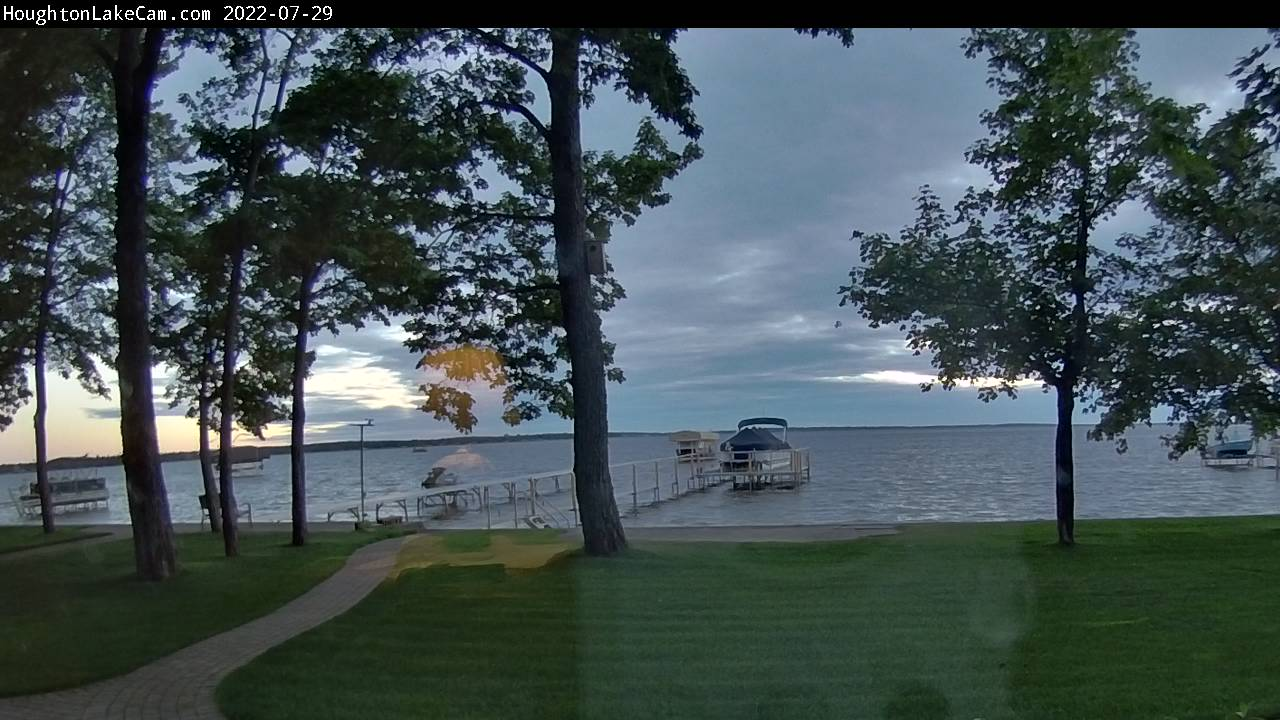 Houghton Lake Cam from Houghton Lake Michigan.